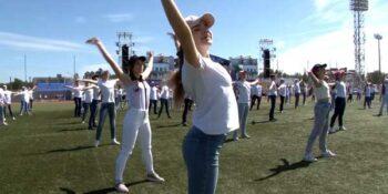 Танцоры поздравили Дзержинск с Днем города