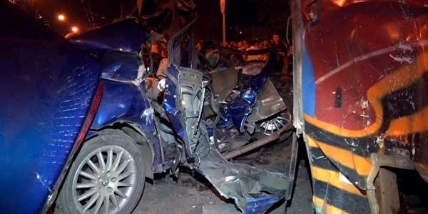 Пять человек погибли в столкновении иномарки и троллейбуса вечером 9 мая в Дзержинске