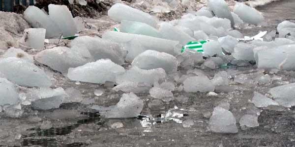Зимой в Дзержинске глыба с крыши упала на девушку. Дзержинские следователи завершили расследование