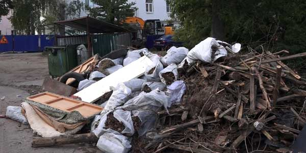 Тарифы подняли, а мусор не вывозят. В администрации Дзержинска обсудили ситуацию со свалками в городе