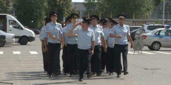 Прошел открытый гарнизонный развод сотрудников управления МВД по  Дзержинску