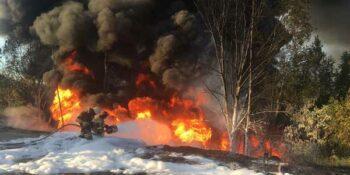 На выезде из Кстово загорелась автоцистерна с дизтопливом. Водитель погиб