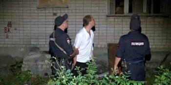 Винни Пух с Буденного. Дзержинец застрял в окне расселенного дома