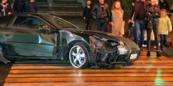 В Дзержинске водитель иномарки снес два светофора и повредил еще один автомобиль