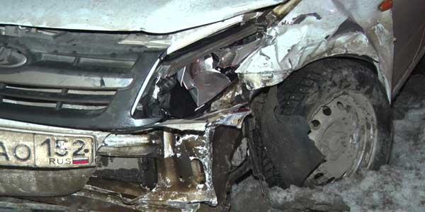 Вынесло на встречку. Две «Лады» столкнулись на Автозаводском шоссе в Дзержинске