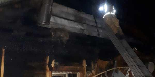 В пригородном поселке Дзержинска из-за грозы загорелся жилой дом