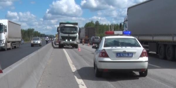 Новые подробности смертельного наезда грузовика на дорожного рабочего недалеко от Дзержинска