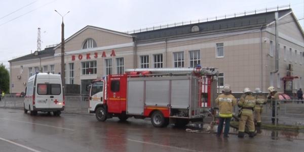 Неизвестный сообщил о минировании железнодорожного вокзала в Дзержинске