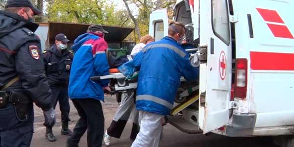 Экстремальный ремонт: кровельщик в Дзержинске выжил после падения с высоты